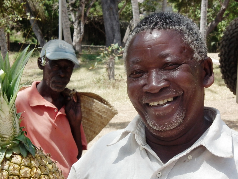 TIWIKenya_Twiga  Camp_Mr Mango_DSCF2924